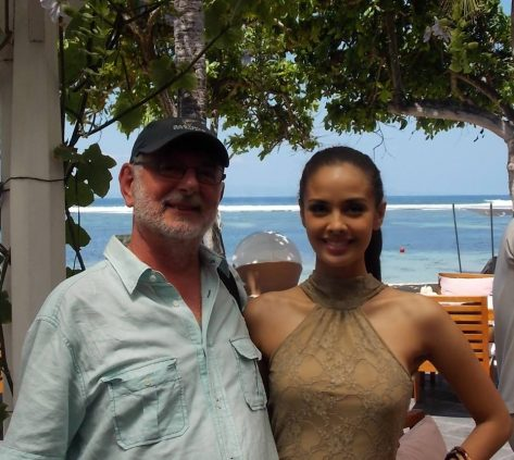 Carruthers con la Miss Mundo
