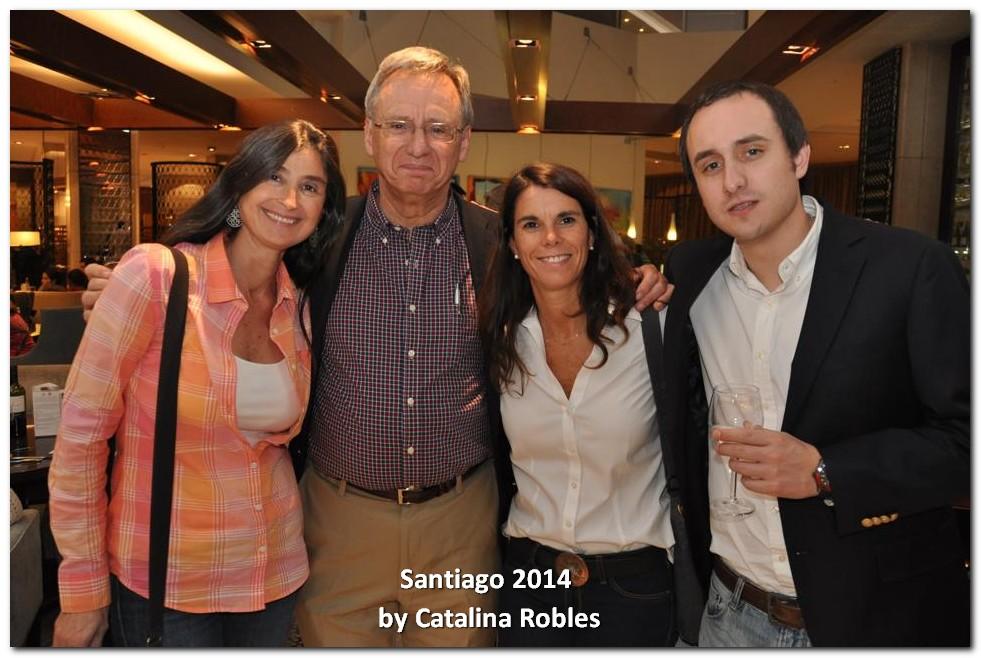 Catalina Robles con su Padre y Hermano