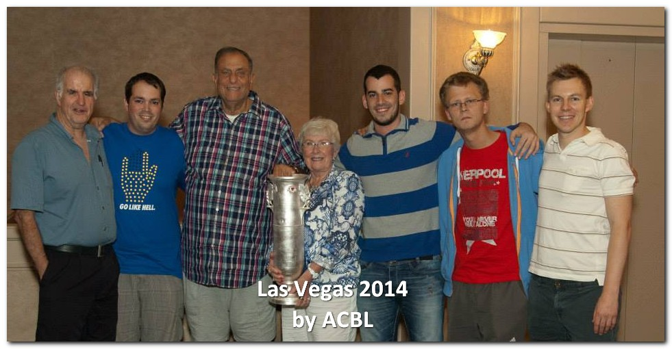 Team Schwartz, winners of the Spingold Knockout Teams, with ACBL President Phyllis Harlan. — con Ron Schwartz y Lotan Fisher.