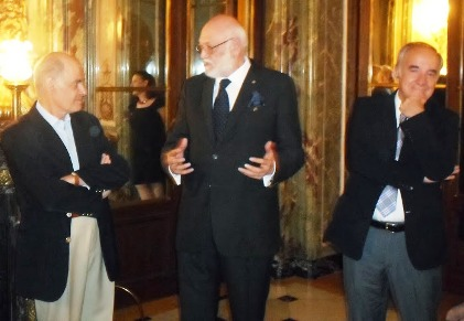 El Emb. de Brasil Everton Varga,  G. Rona Presidente WBF y M. Caracci Presidente CSB