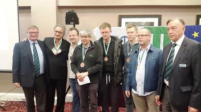 Simon Gillis (pc), Boye Brogeland, Tom Hanlon, Espen Lindqvist, Zia Mahmood and Erik Saelensminde.